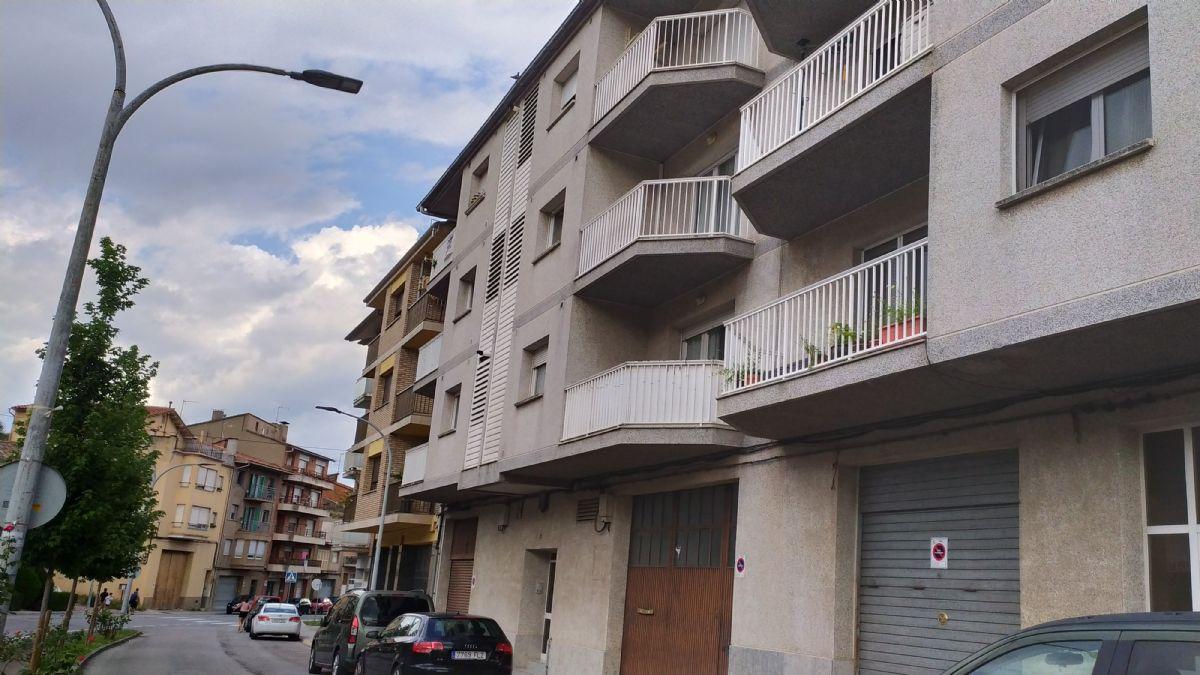 Piso en venta en Berga, Barcelona, Calle Solsona, 83.300 €, 3 habitaciones, 97 m2