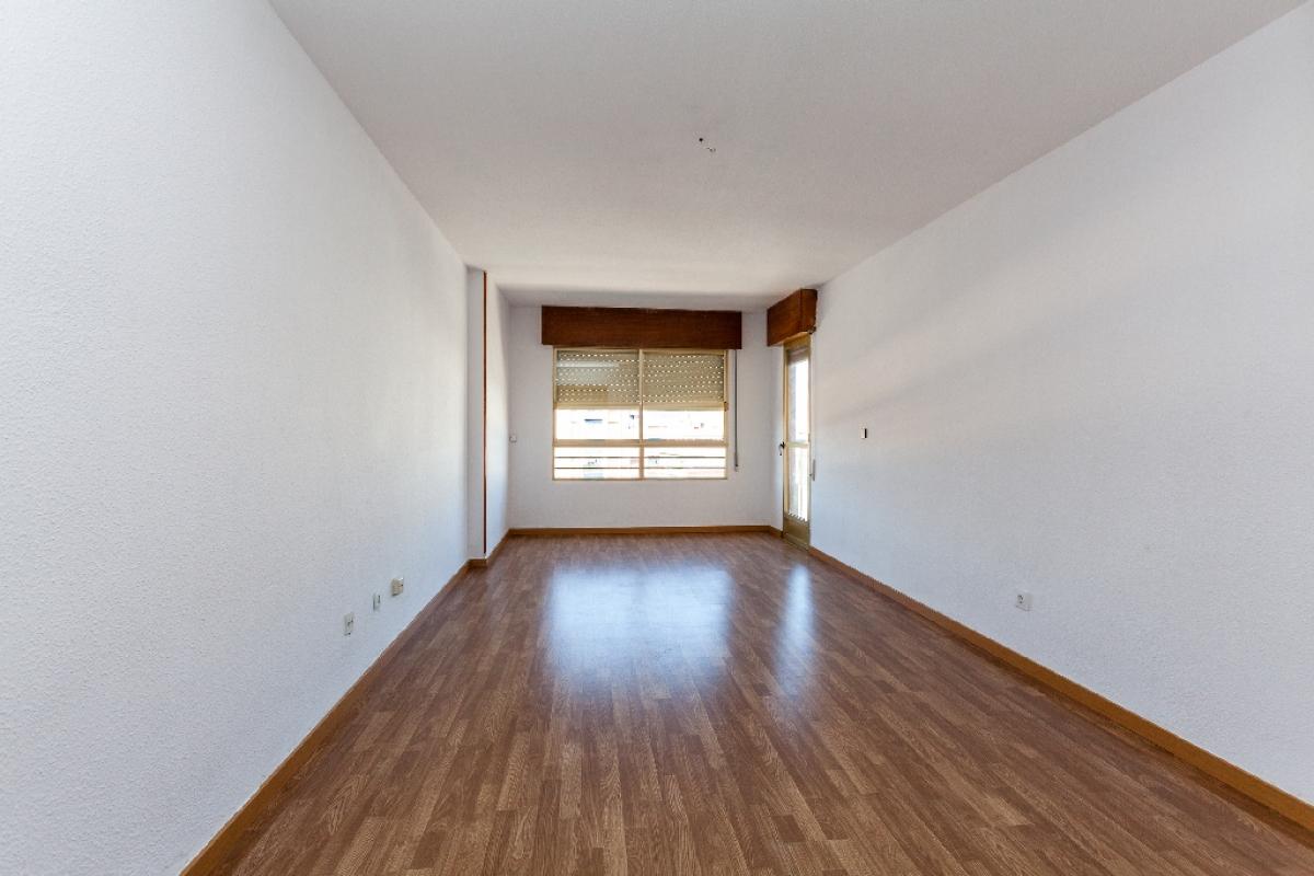 Piso en venta en Piso en Águilas, Murcia, 93.000 €, 4 habitaciones, 2 baños, 123 m2