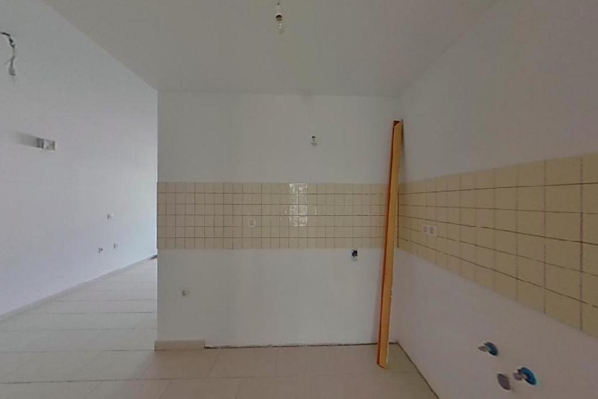 Piso en venta en Piso en Arrecife, Las Palmas, 97.913 €, 3 habitaciones, 2 baños, 84 m2