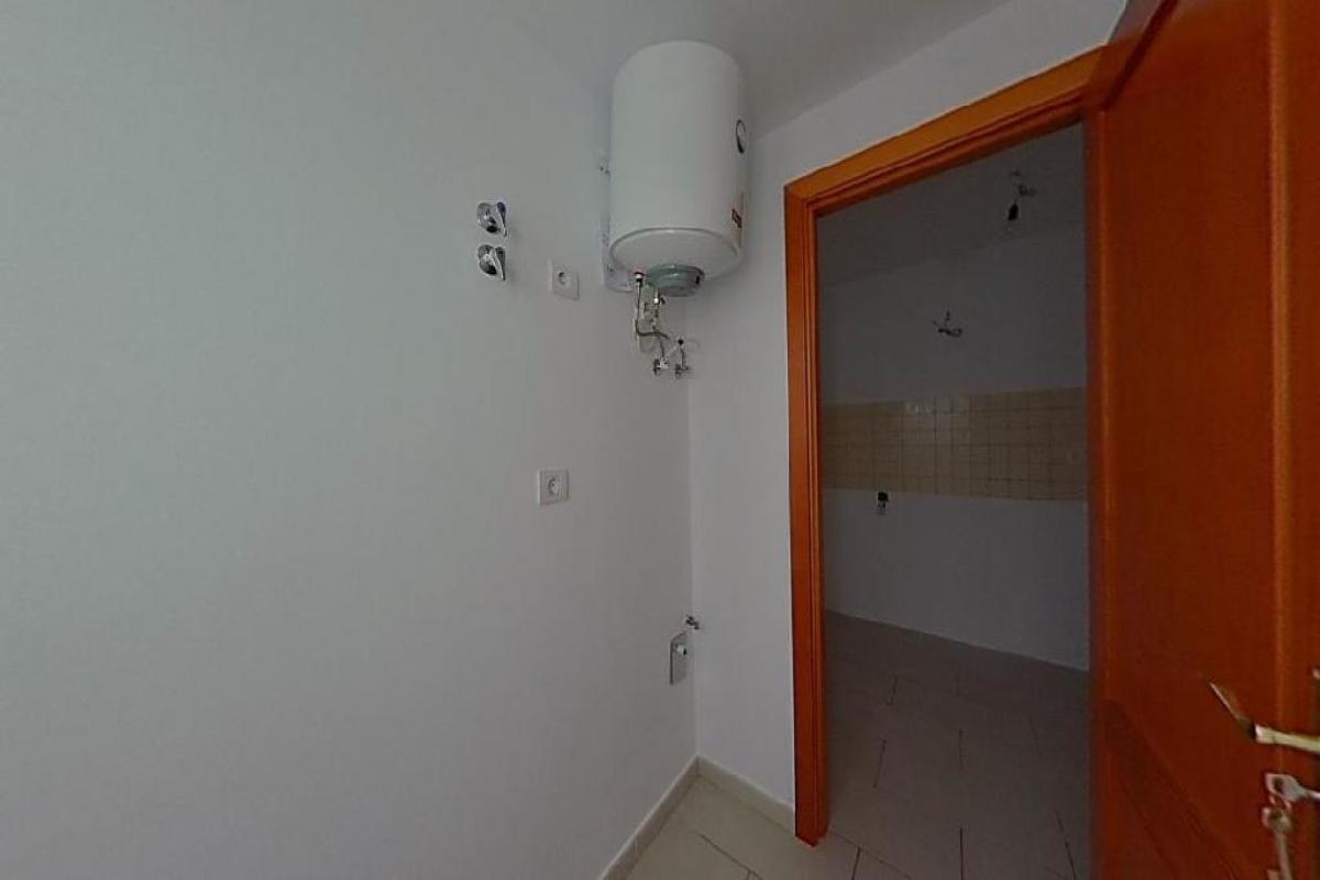 Piso en venta en Piso en Arrecife, Las Palmas, 100.343 €, 3 habitaciones, 2 baños, 84 m2