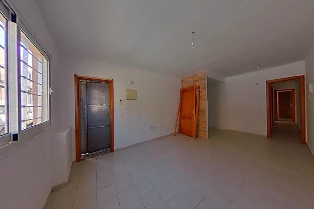 Piso en venta en Bockum, Arrecife, Las Palmas, Calle Alfonso Xii, 110.075 €, 3 habitaciones, 2 baños, 81 m2