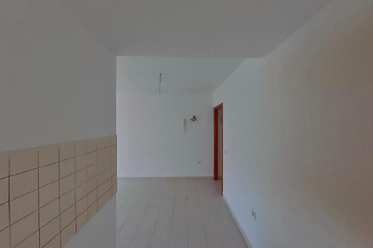 Piso en venta en Piso en Arrecife, Las Palmas, 100.343 €, 3 habitaciones, 84 m2