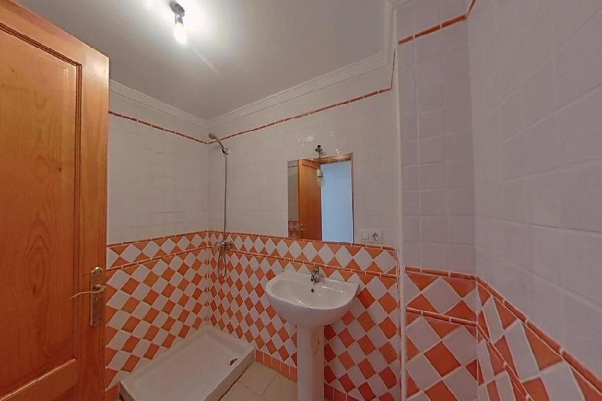 Piso en venta en Piso en Arrecife, Las Palmas, 98.757 €, 3 habitaciones, 2 baños, 85 m2
