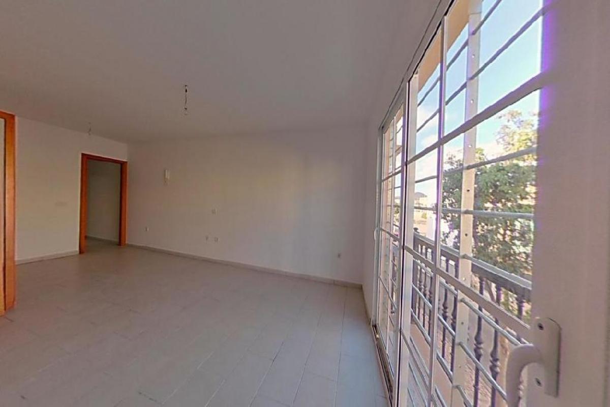 Piso en venta en Piso en Arrecife, Las Palmas, 98.401 €, 2 habitaciones, 2 baños, 81 m2