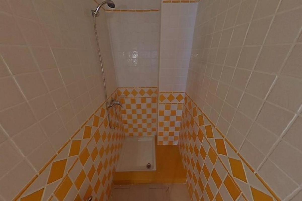 Piso en venta en Piso en Arrecife, Las Palmas, 90.200 €, 3 habitaciones, 2 baños, 84 m2