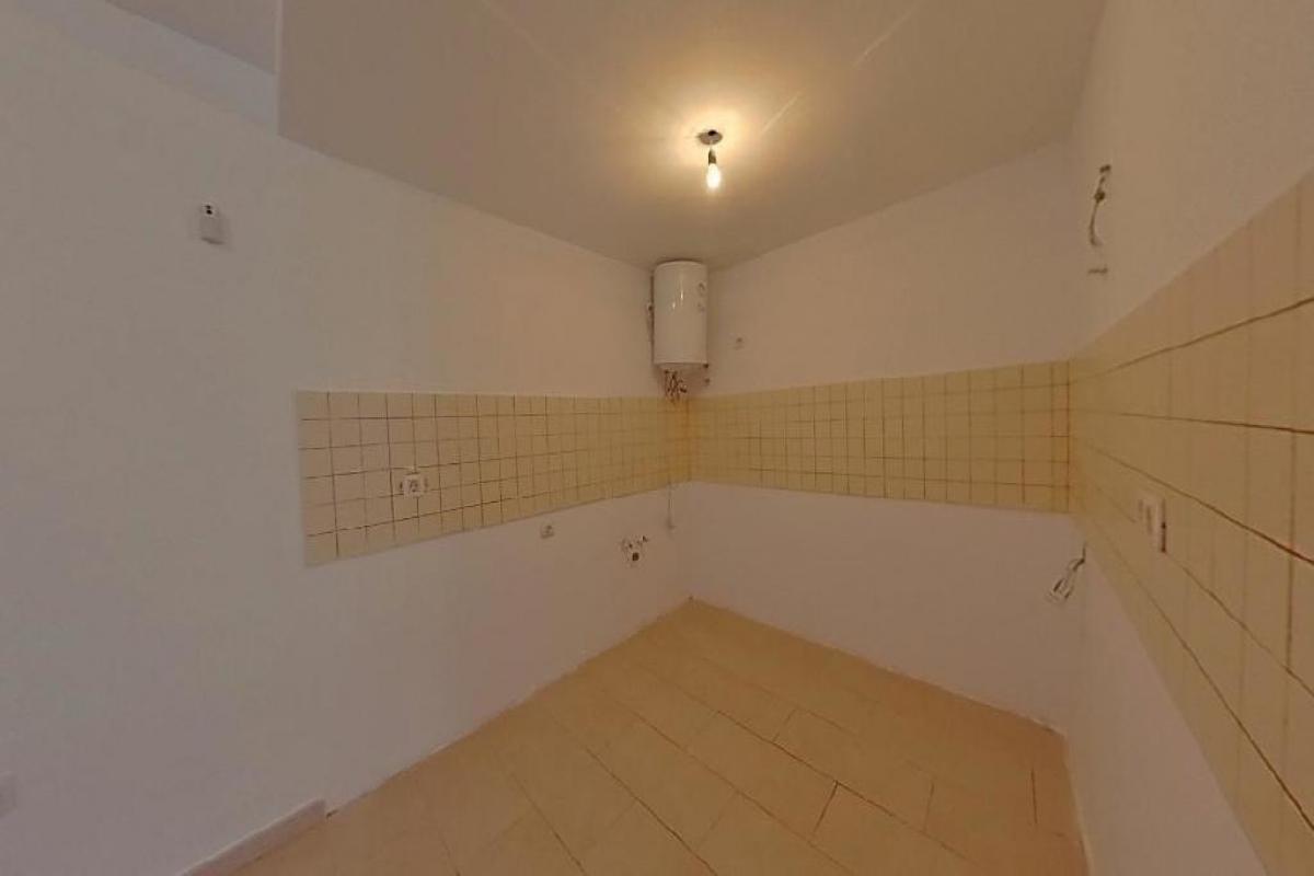 Piso en venta en Piso en Arrecife, Las Palmas, 98.338 €, 3 habitaciones, 2 baños, 84 m2