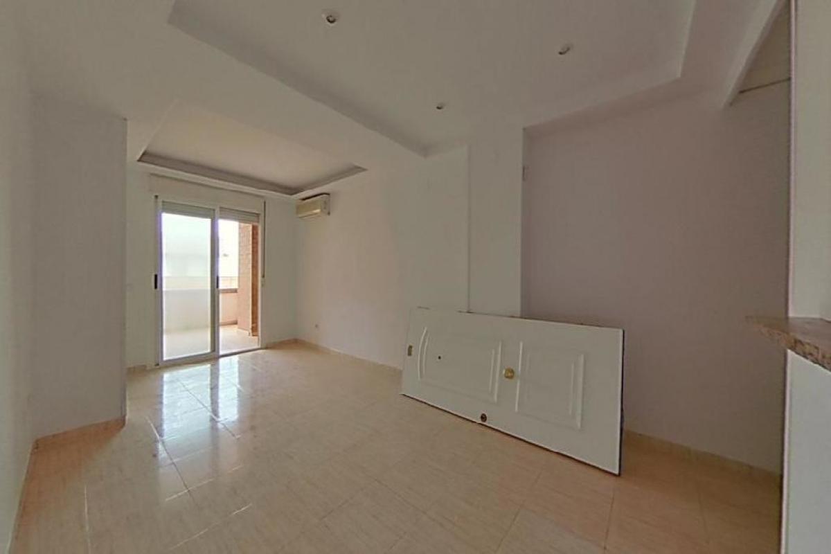 Piso en venta en Piso en Oropesa del Mar/orpesa, Castellón, 89.000 €, 2 habitaciones, 2 baños, 99 m2