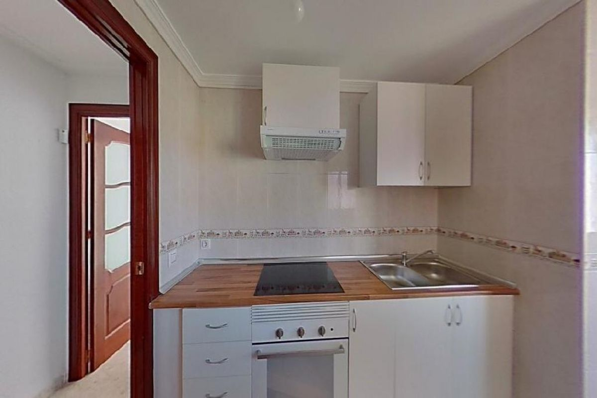 Piso en venta en Piso en Sevilla, Sevilla, 93.000 €, 3 habitaciones, 76 m2