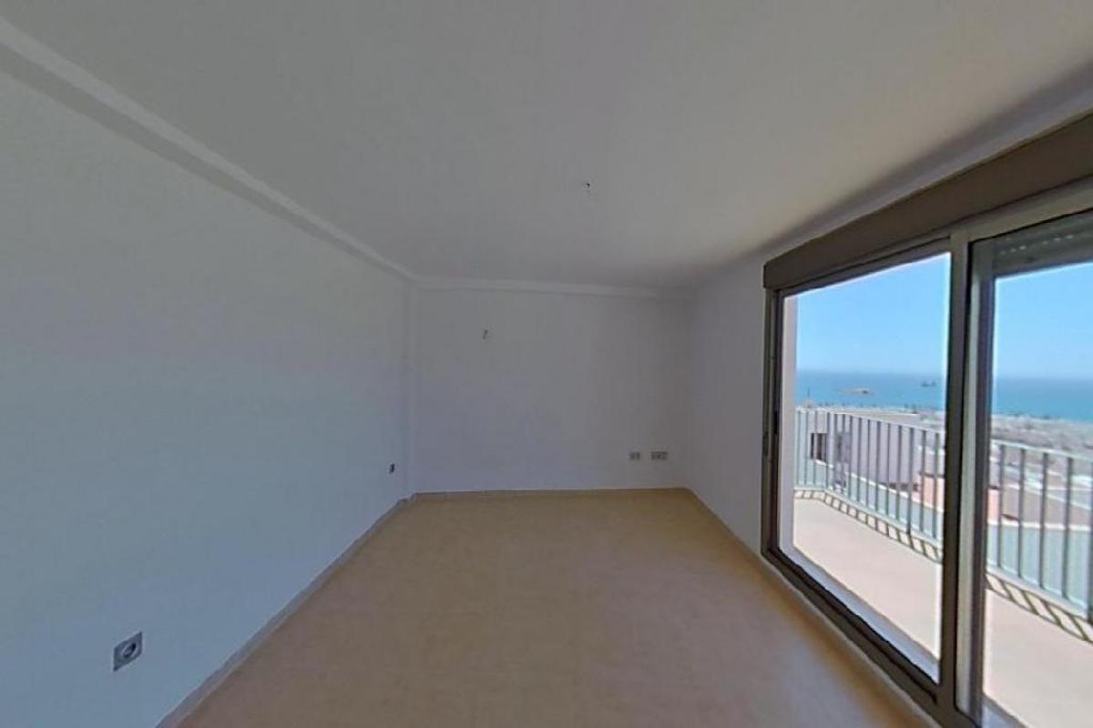 Piso en venta en Piso en Carboneras, Almería, 119.500 €, 3 habitaciones, 126 m2