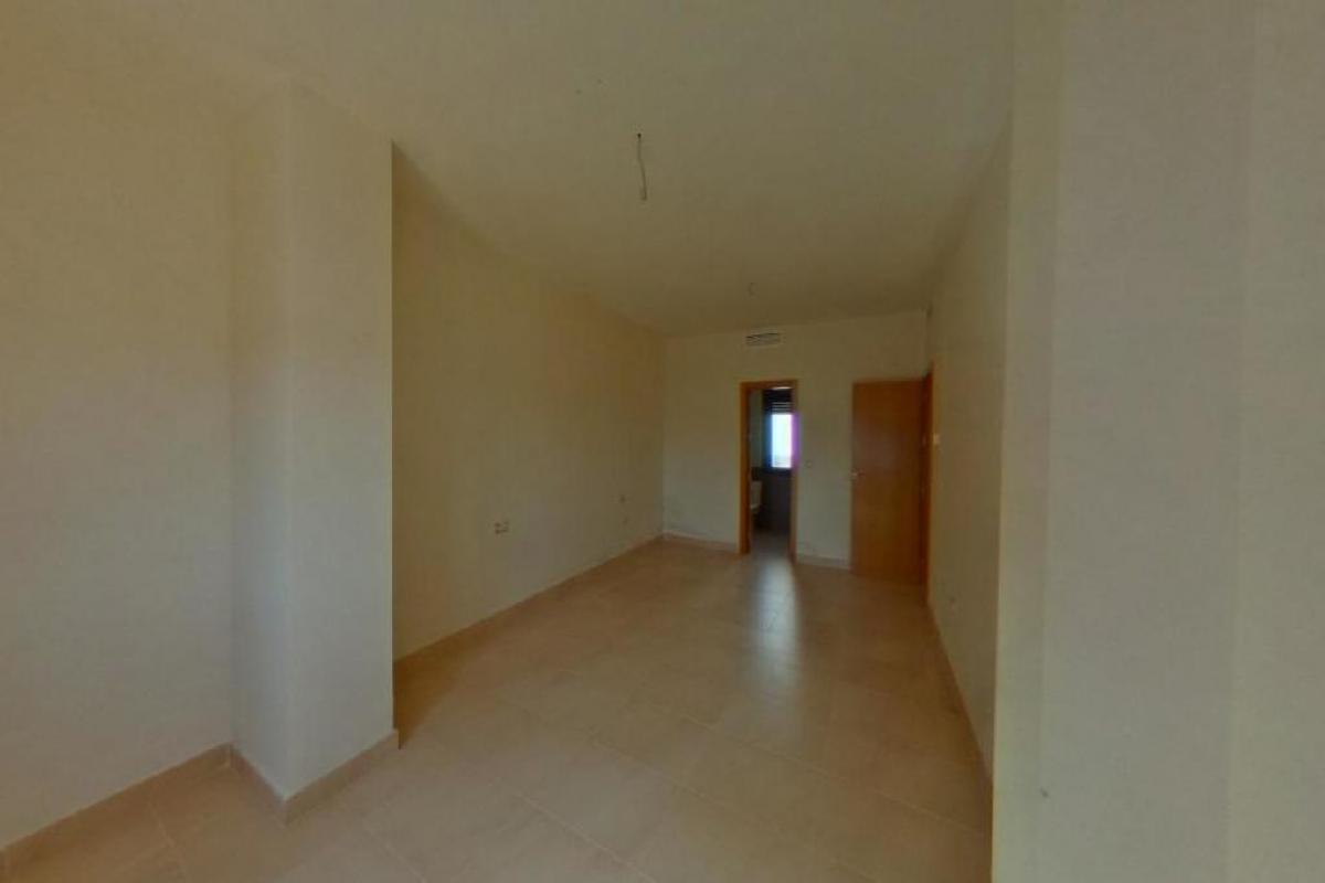 Piso en venta en Piso en Atarfe, Granada, 72.000 €, 3 habitaciones, 2 baños, 125 m2