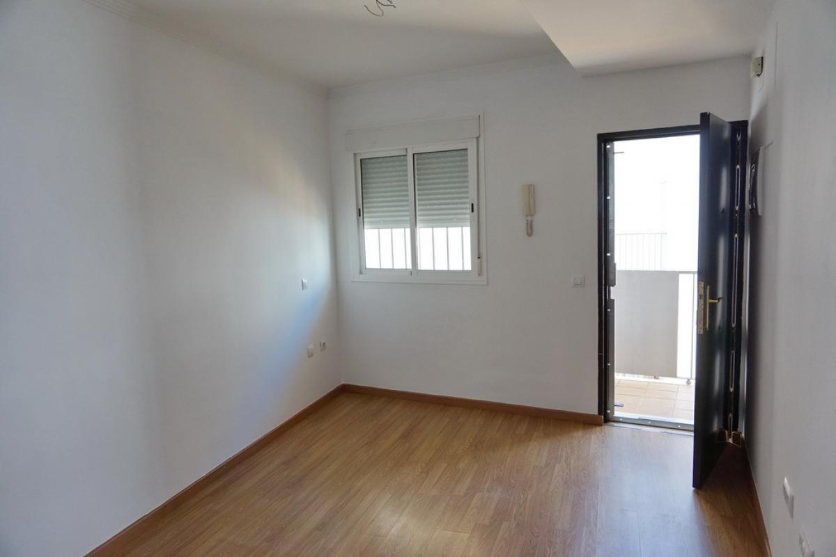 Piso en venta en Piso en Sanlúcar de Barrameda, Cádiz, 106.500 €, 2 habitaciones, 2 baños, 79 m2