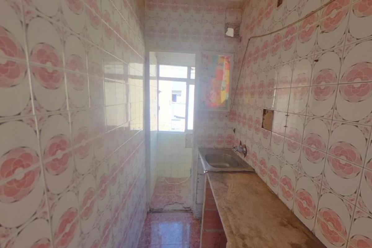 Piso en venta en Piso en Alicante/alacant, Alicante, 31.000 €, 3 habitaciones, 1 baño, 60 m2