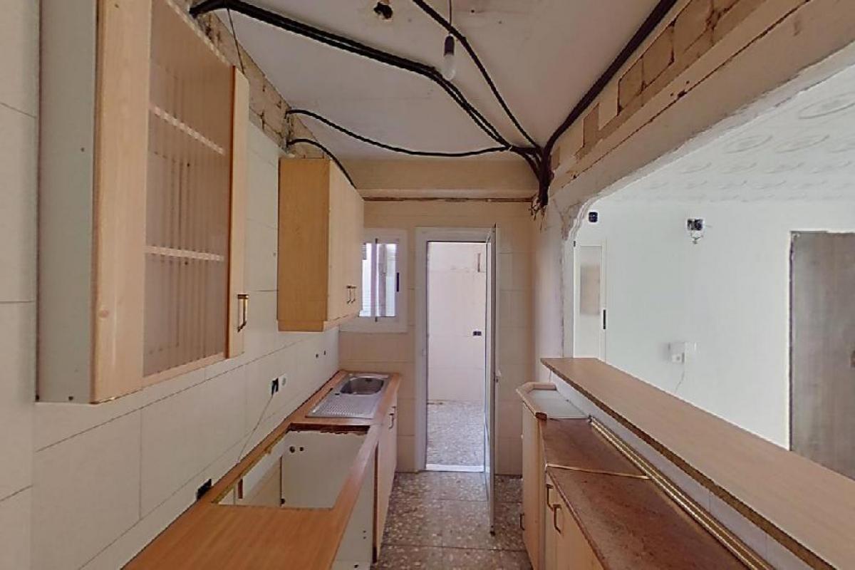 Piso en venta en Piso en Alicante/alacant, Alicante, 53.000 €, 3 habitaciones, 1 baño, 84 m2