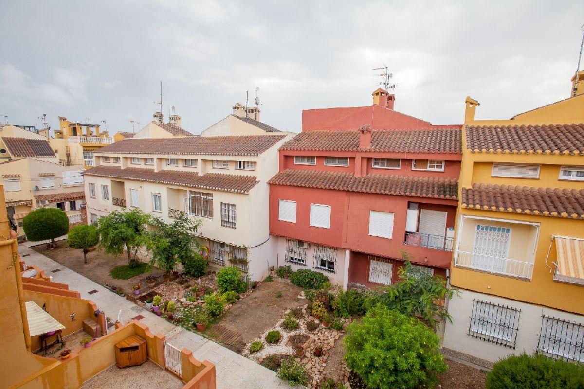 Piso en venta en Piso en Torrevieja, Alicante, 76.000 €, 2 habitaciones, 1 baño, 52 m2