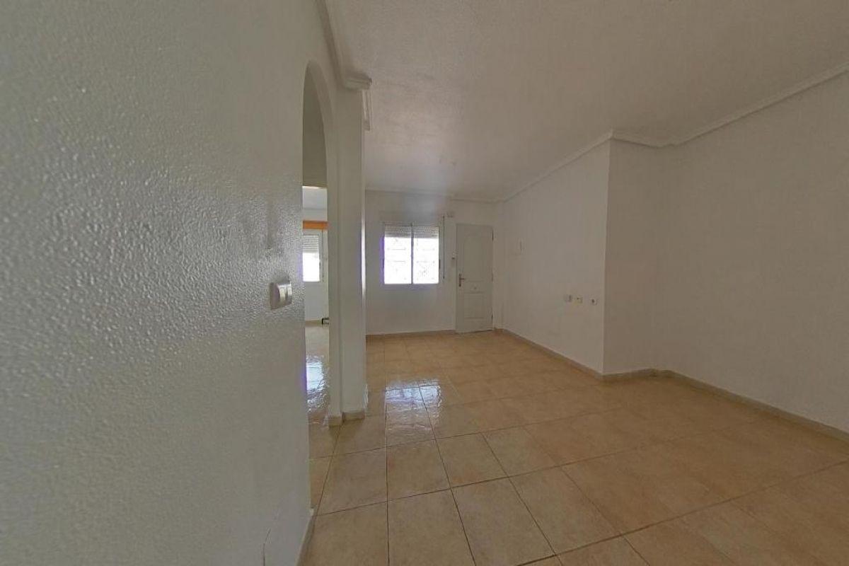 Piso en venta en Piso en Torrevieja, Alicante, 115.000 €, 2 habitaciones, 1 baño, 64 m2