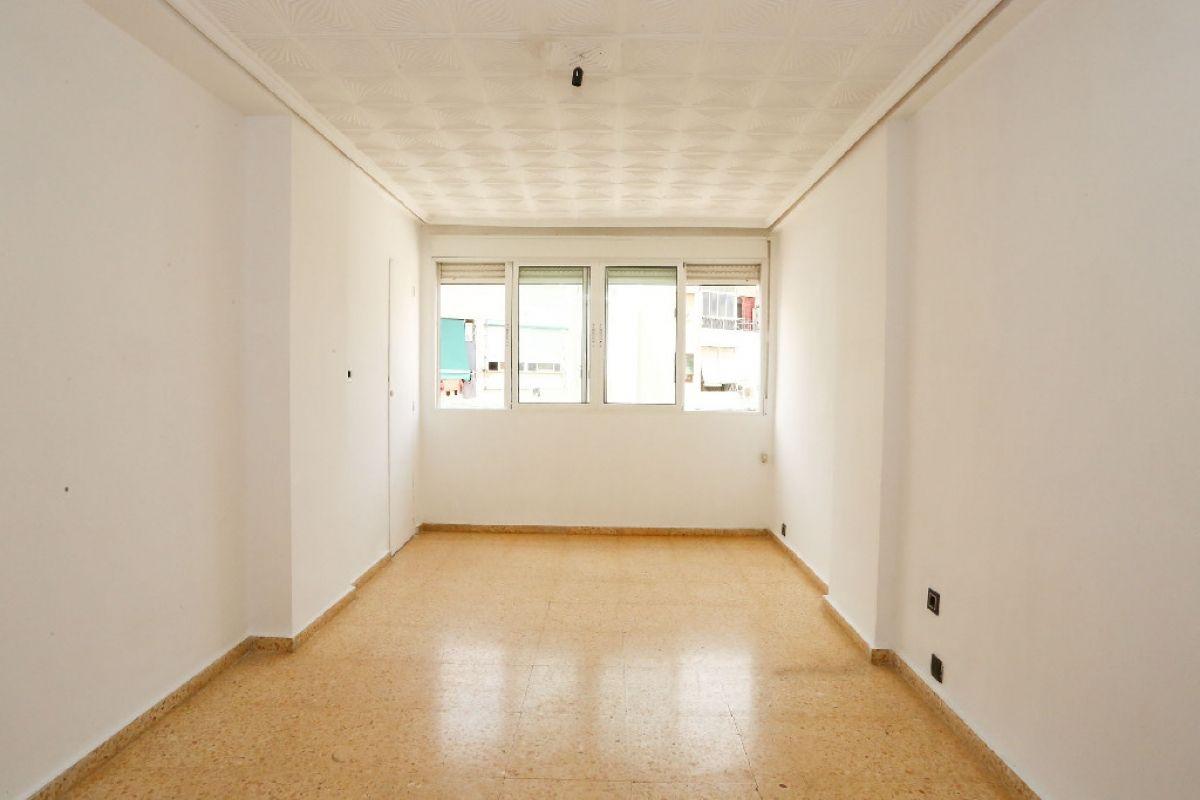Piso en venta en L`olivereta, Valencia, Valencia, Calle Maestro Asensi, 93.500 €, 3 habitaciones, 1 baño, 62 m2