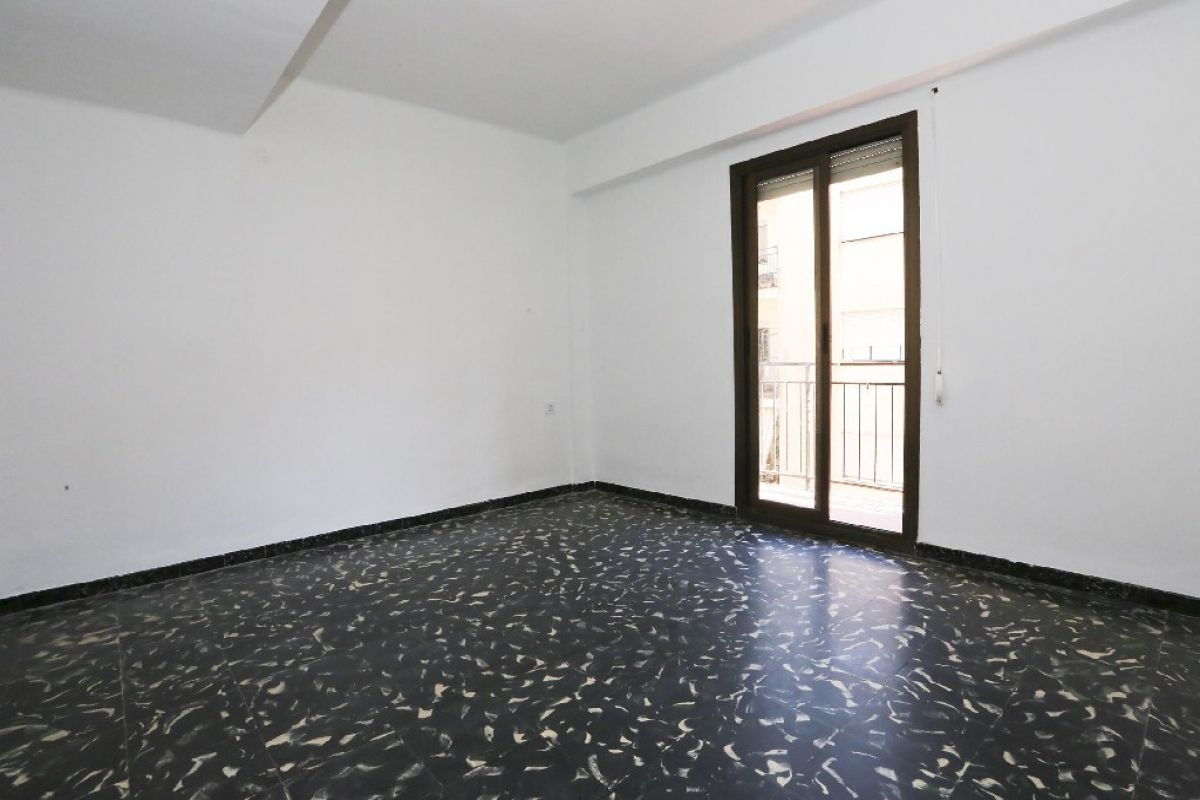Piso en venta en Gandia, Valencia, Calle Pintor Sorolla, 42.000 €, 4 habitaciones, 1 baño, 89 m2