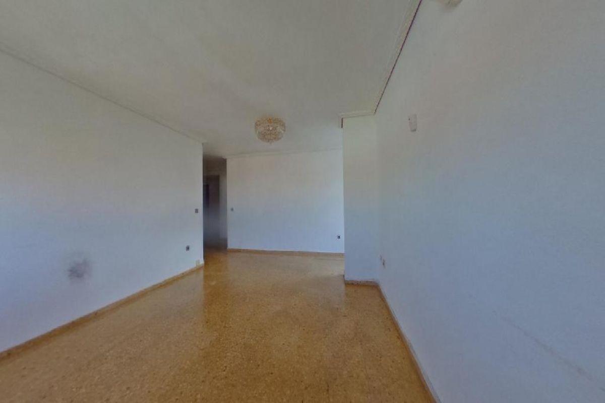 Piso en venta en Quatre Carreres, Valencia, Valencia, Avenida Hermanos Maristas, 126.500 €, 3 habitaciones, 2 baños, 112 m2