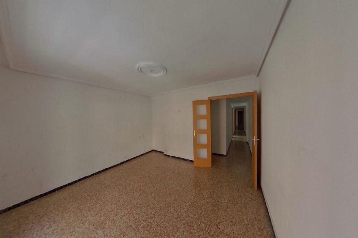 Piso en venta en Piso en Elche/elx, Alicante, 64.000 €, 4 habitaciones, 2 baños, 106 m2