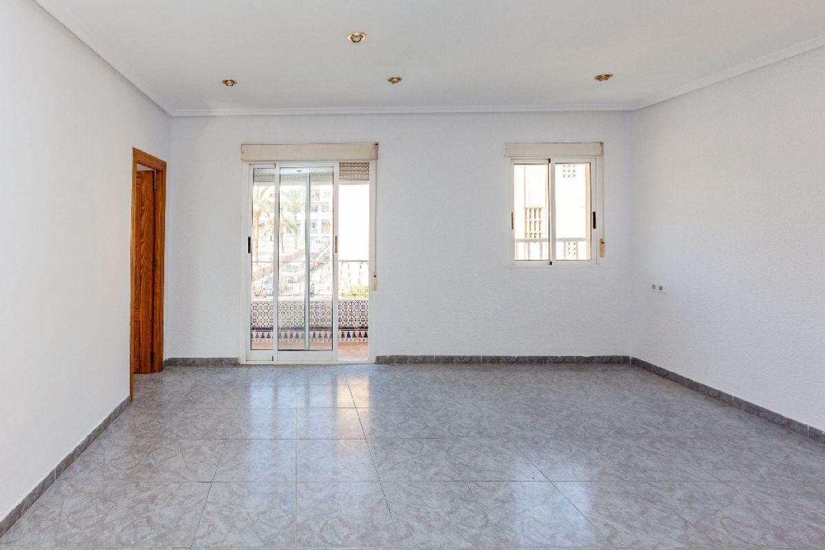 Piso en venta en Porfirio Pascual, Elche/elx, Alicante, Calle Pedro Mas Aznar, 47.500 €, 2 habitaciones, 1 baño, 56 m2