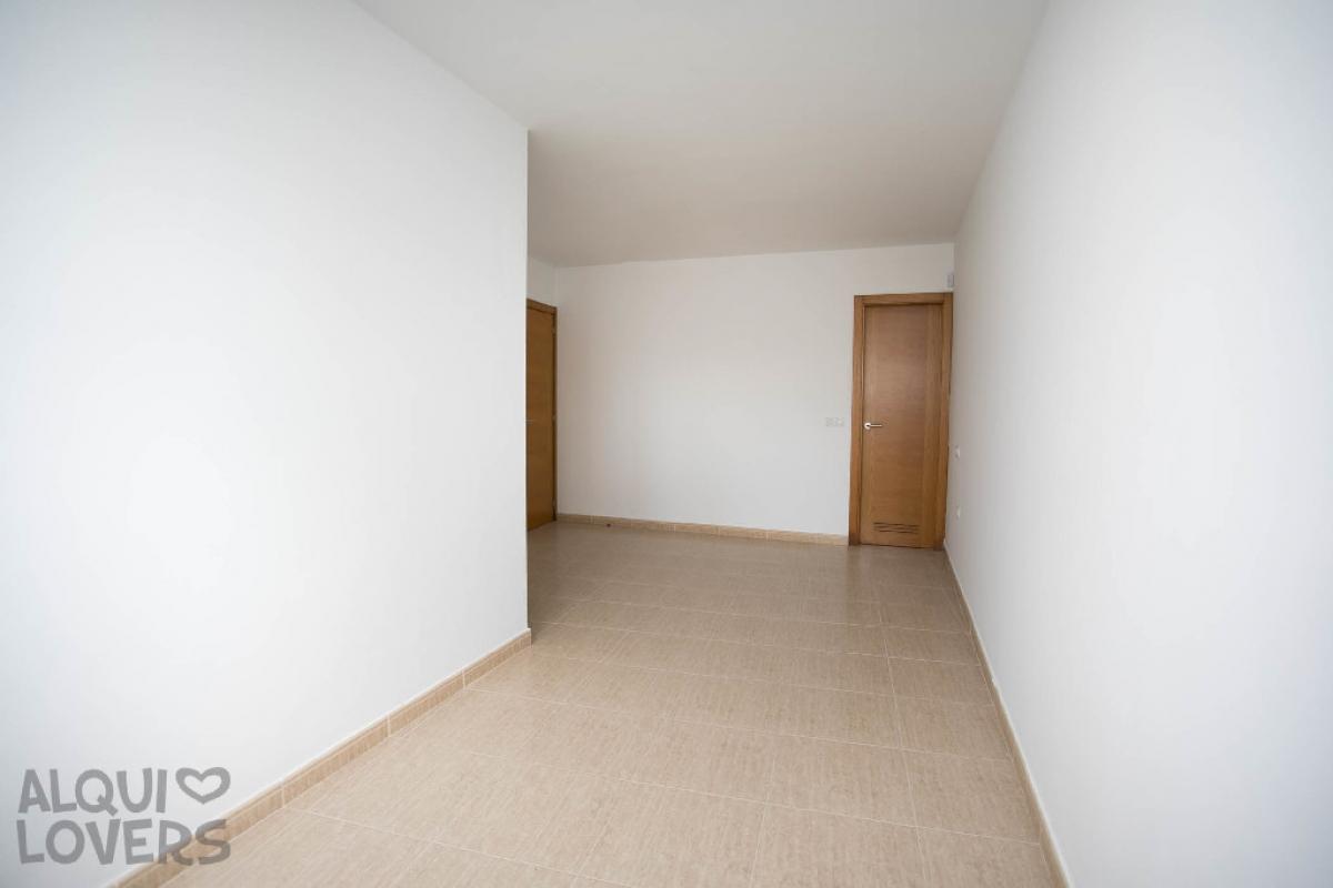 Piso en venta en Piso en Arrecife, Las Palmas, 98.000 €, 2 habitaciones, 1 baño, 81 m2, Garaje