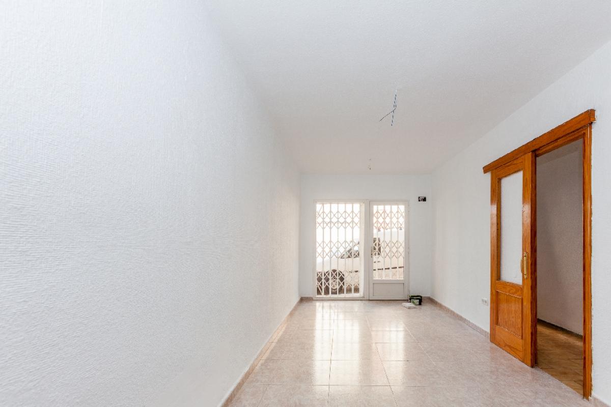 Casa en venta en Los Depósitos, Roquetas de Mar, Almería, Calle Barcelona, 70.000 €, 4 habitaciones, 2 baños, 136 m2