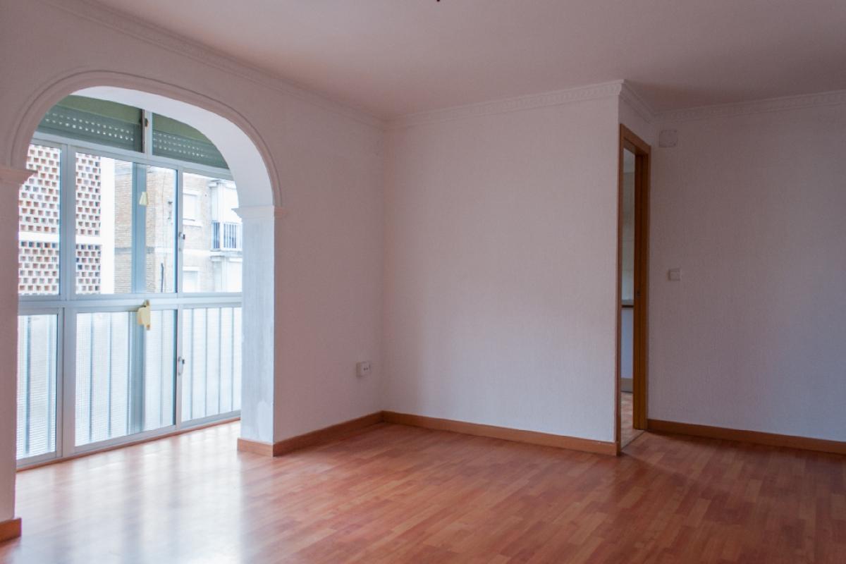 Piso en venta en Jerez de la Frontera, Cádiz, Calle la Malagueña, 48.000 €, 3 habitaciones, 1 baño, 77 m2
