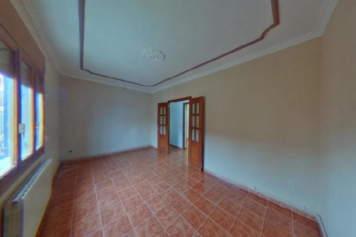 Piso en venta en San Clemente, Cuenca, Calle Maestro Antonio Lopez, 61.000 €, 4 habitaciones, 1 baño, 125 m2