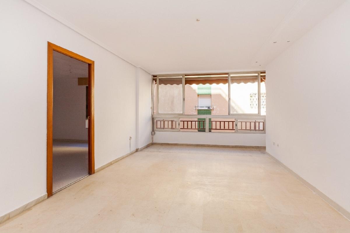 Piso en venta en Els Tolls - Aigüera Alta, Benidorm, Alicante, Calle Tomas Ortuño, 108.000 €, 2 habitaciones, 1 baño, 62 m2