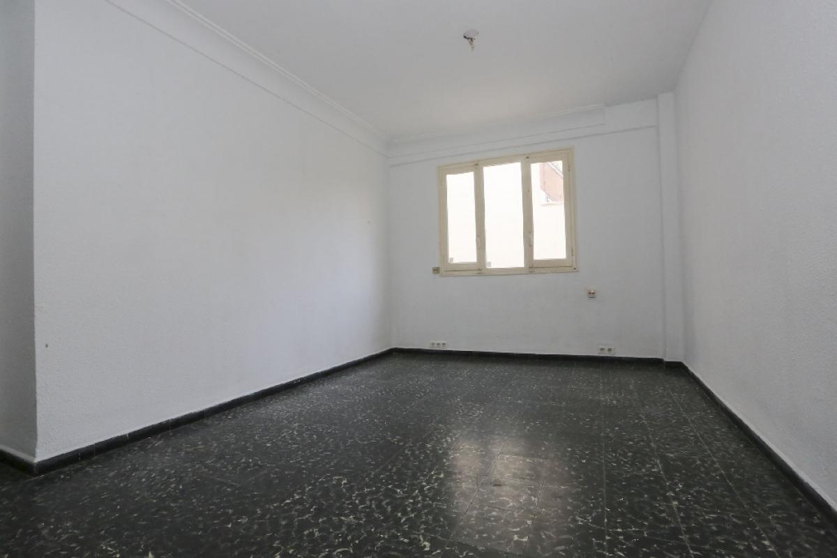 Piso en venta en Piso en Valencia, Valencia, 100.000 €, 3 habitaciones, 1 baño, 77 m2