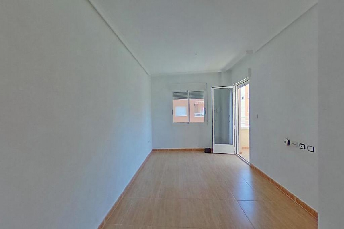 Piso en venta en La Manga del Mar Menor, San Javier, Murcia, Urbanización Luz Bahía, 90.000 €, 2 habitaciones, 2 baños, 70 m2