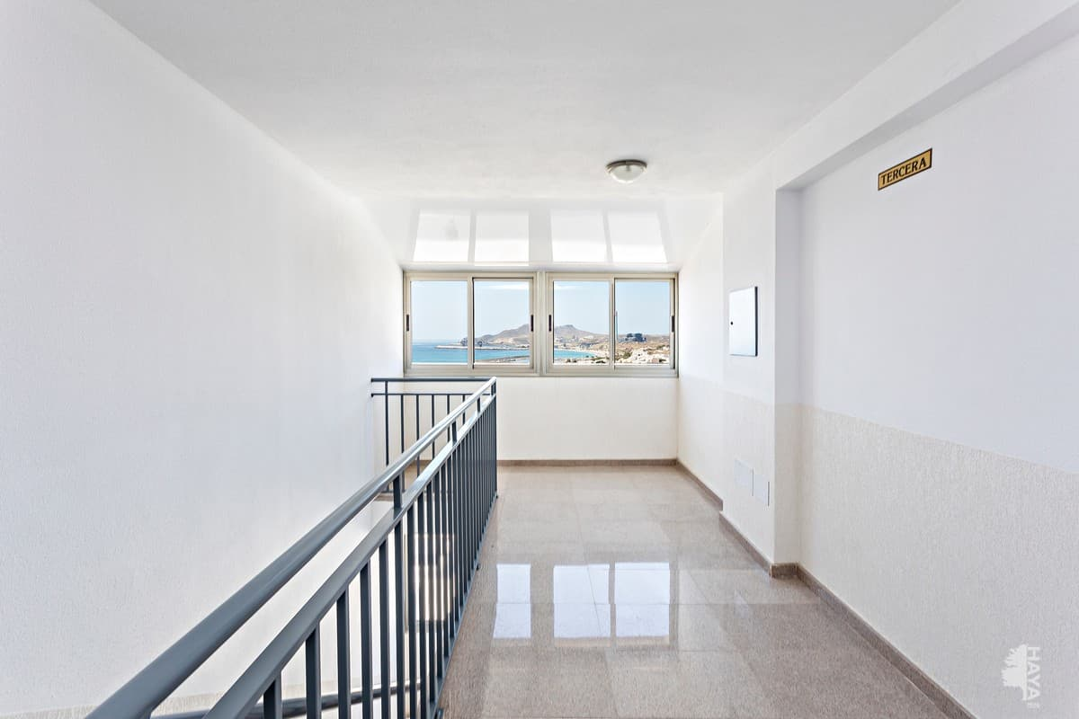 Piso en venta en Piso en Carboneras, Almería, 74.000 €, 2 habitaciones, 2 baños, 97 m2