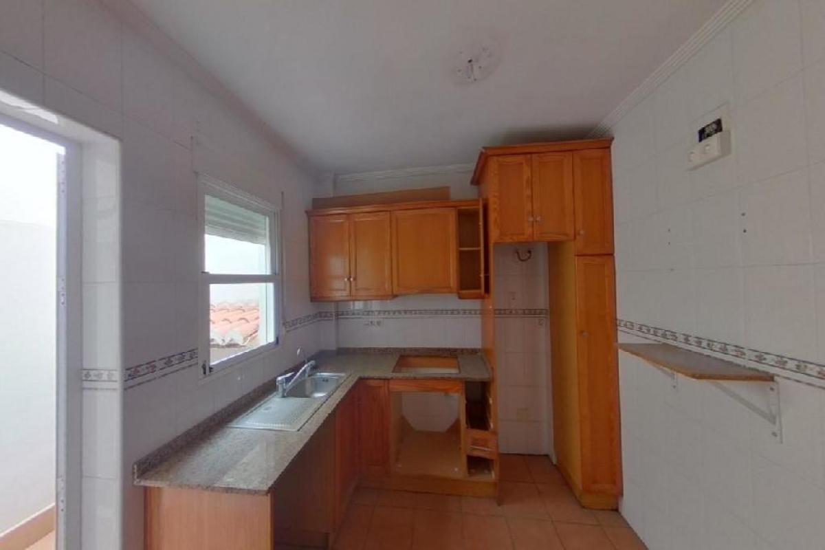 Casa en venta en Casa en Torrevieja, Alicante, 105.000 €, 2 habitaciones, 2 baños, 75 m2