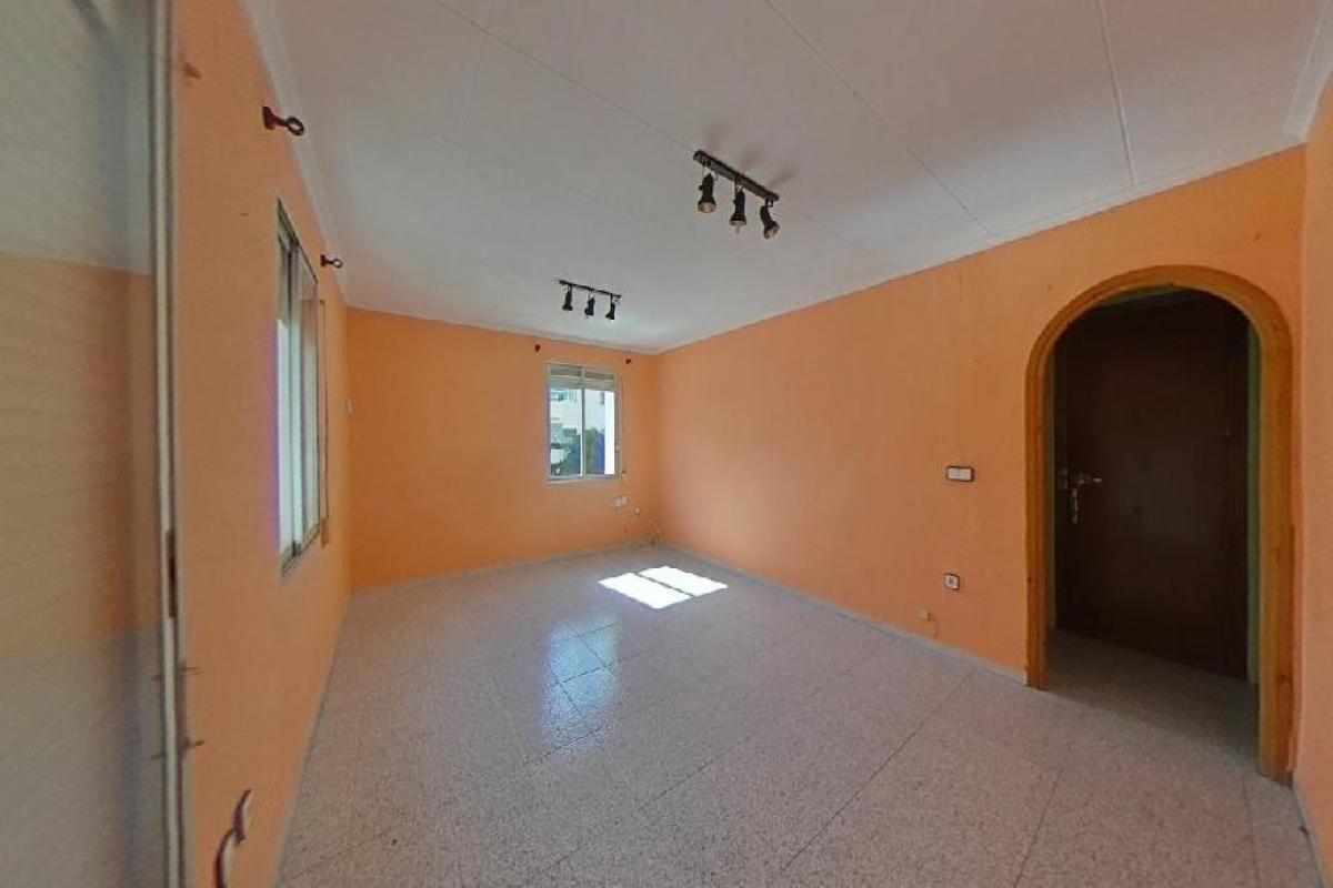 Piso en venta en La Goteta, Alicante/alacant, Alicante, Calle Miguel Jimenez Reyes, 84.000 €, 4 habitaciones, 1 baño, 117 m2