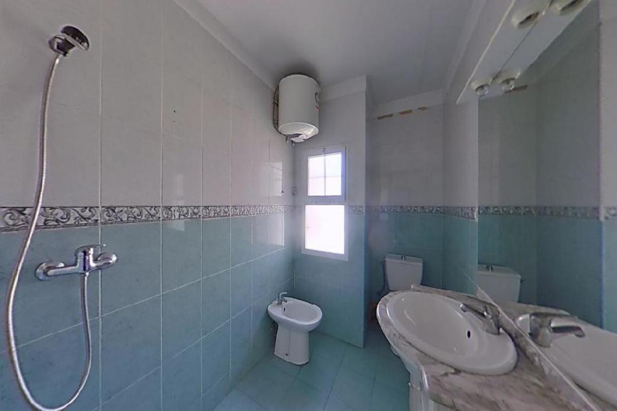 Piso en venta en Piso en Valencia, Valencia, 86.000 €, 3 habitaciones, 1 baño, 85 m2
