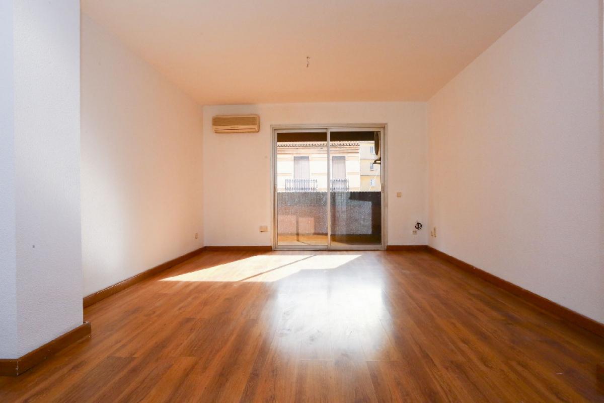 Piso en venta en Extramurs, Valencia, Valencia, Calle Angel Guimera, 252.000 €, 4 habitaciones, 2 baños, 152 m2