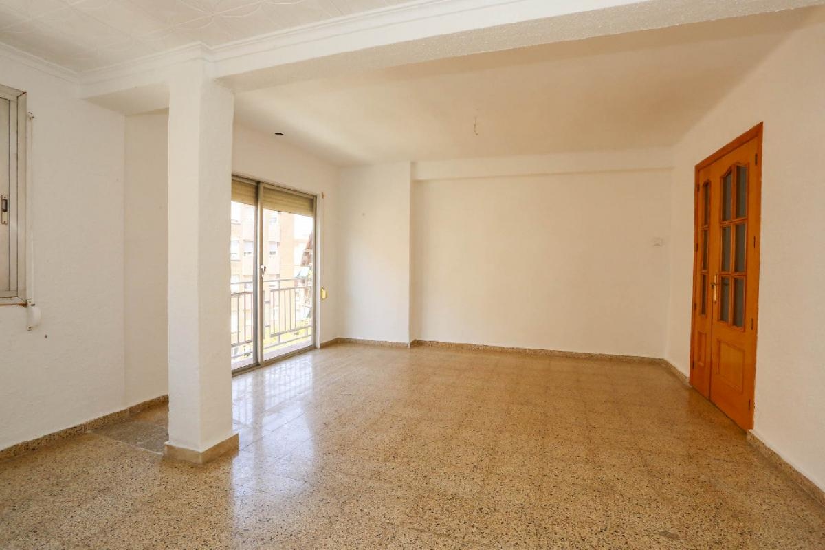 Piso en venta en Monte Vedat, Torrent, Valencia, Calle Jose Iturbi, 70.000 €, 3 habitaciones, 1 baño, 91 m2