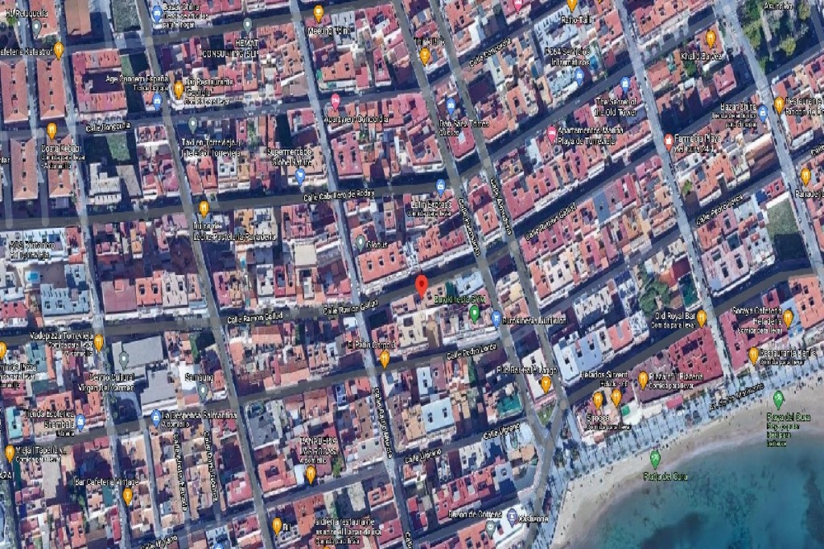 Local en venta en Local en Torrevieja, Alicante, 107.000 €, 290 m2