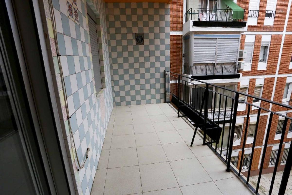 Piso en venta en Piso en Valencia, Valencia, 121.000 €, 3 habitaciones, 1 baño, 91 m2