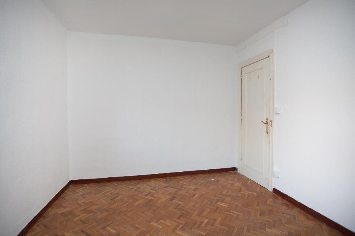 Piso en venta en Piso en Zaragoza, Zaragoza, 100.000 €, 4 habitaciones, 1 baño, 102 m2