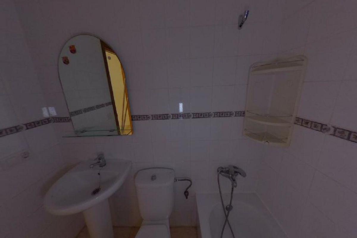 Piso en venta en Piso en Arrecife, Las Palmas, 106.000 €, 2 habitaciones, 1 baño, 71 m2