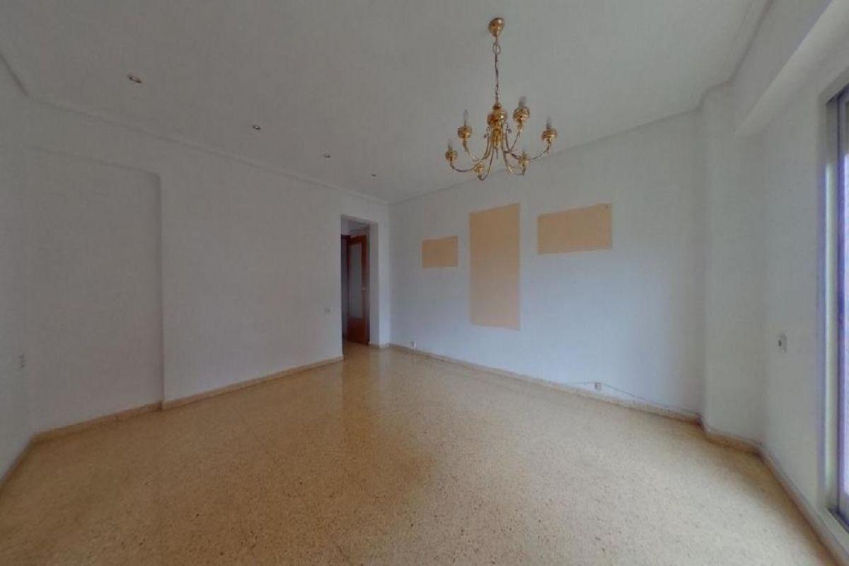 Piso en venta en Piso en Valencia, Valencia, 98.000 €, 4 habitaciones, 1 baño, 99 m2