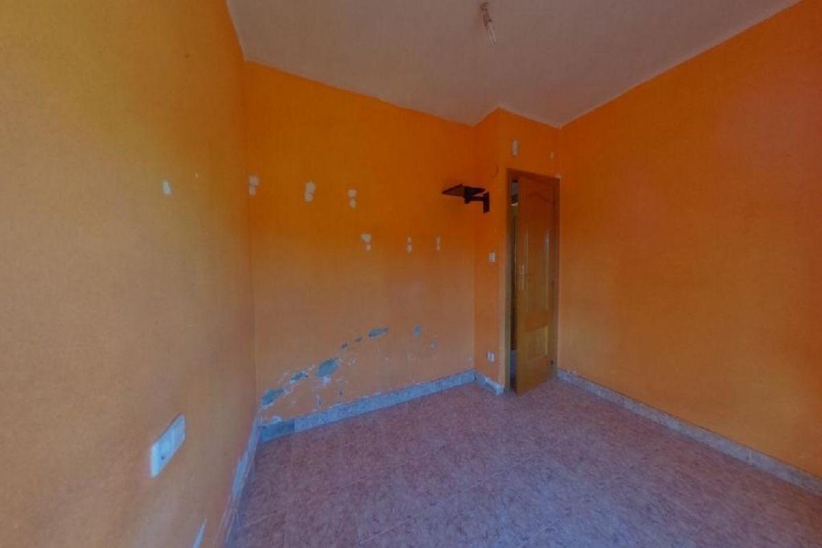 Piso en venta en Piso en Valencia, Valencia, 60.000 €, 3 habitaciones, 1 baño, 77 m2