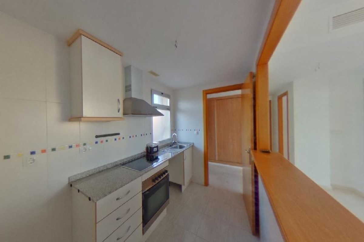 Piso en venta en Piso en la Villajoyosa/vila, Alicante, 133.000 €, 2 habitaciones, 2 baños, 97 m2
