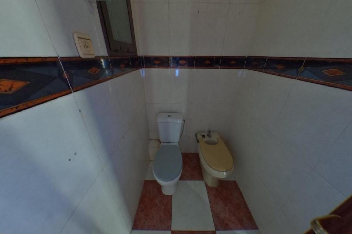Piso en venta en Piso en Alaquàs, Valencia, 71.000 €, 3 habitaciones, 1 baño, 74 m2