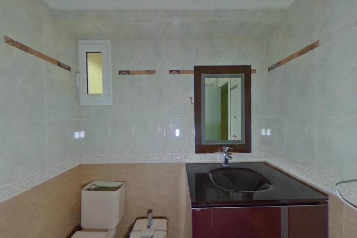 Piso en venta en Piso en Tavernes Blanques, Valencia, 106.000 €, 3 habitaciones, 2 baños, 118 m2