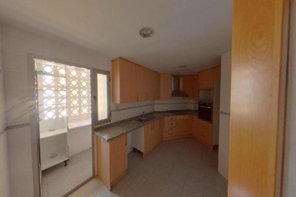 Piso en venta en Piso en la Villajoyosa/vila, Alicante, 212.100 €, 3 habitaciones, 2 baños, 288 m2