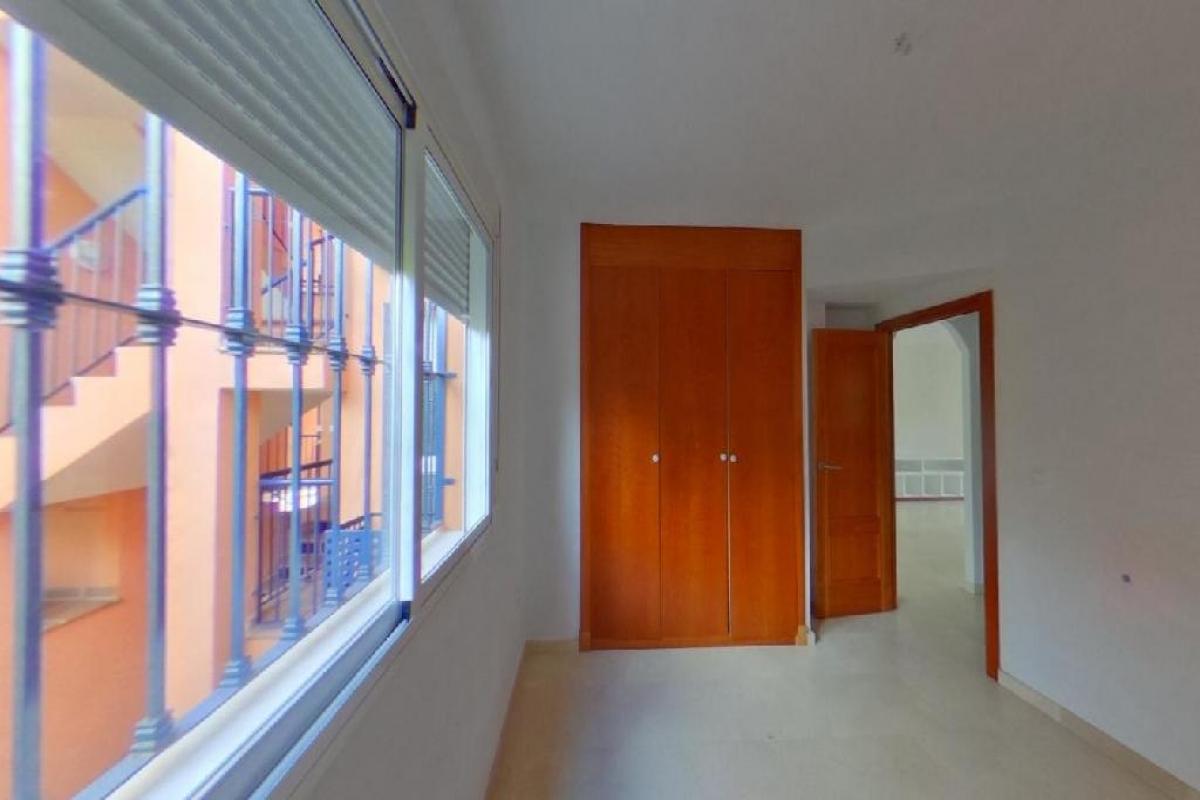 Piso en venta en Piso en Marbella, Málaga, 215.000 €, 2 habitaciones, 2 baños, 102 m2
