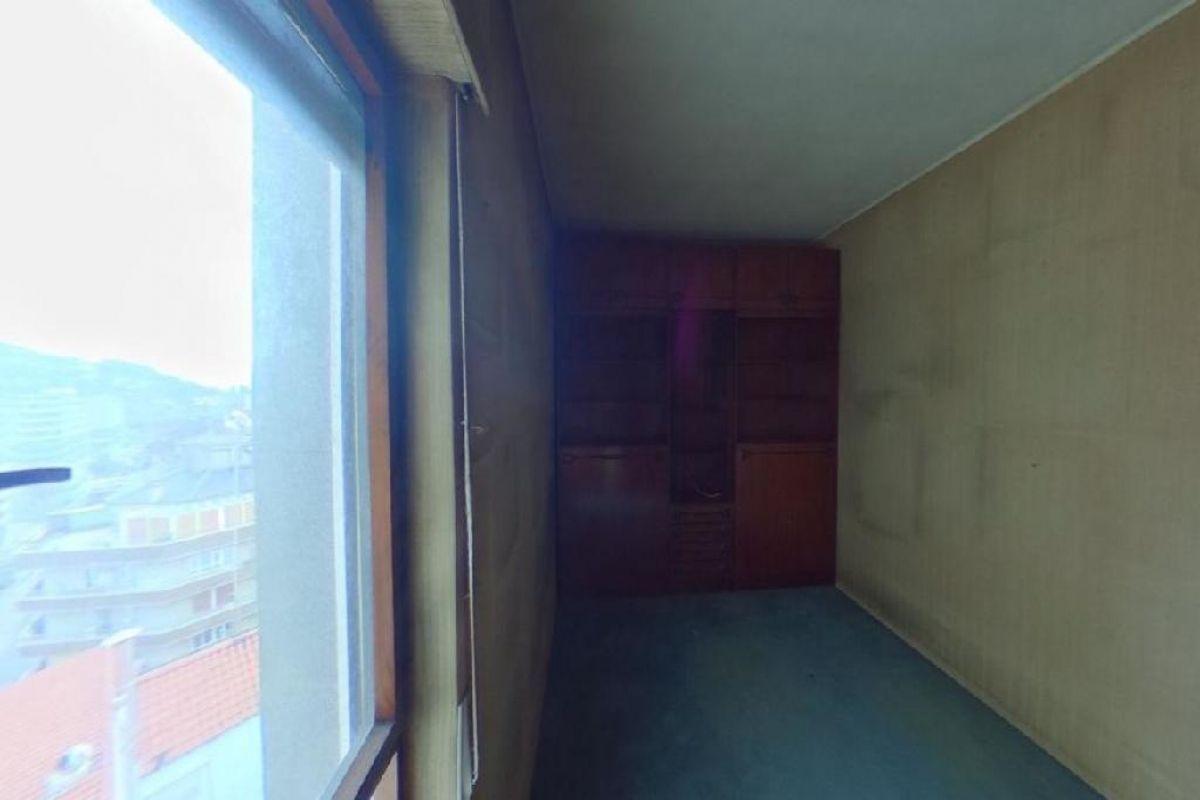 Piso en venta en Piso en Oviedo, Asturias, 116.000 €, 2 habitaciones, 1 baño, 93 m2
