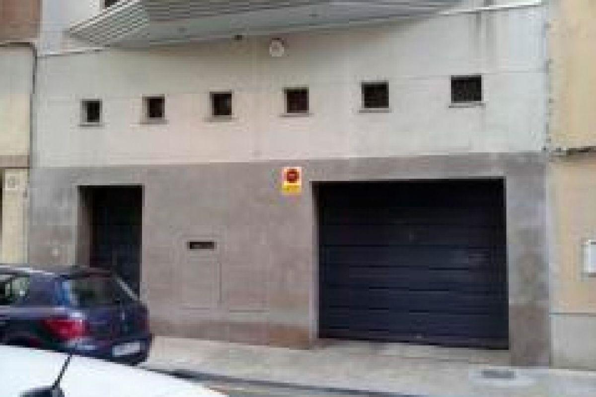 Casa en venta en Castellón de la Plana/castelló de la Plana, Castellón, Calle Prim, 422.000 €, 5 habitaciones, 6 baños, 687 m2